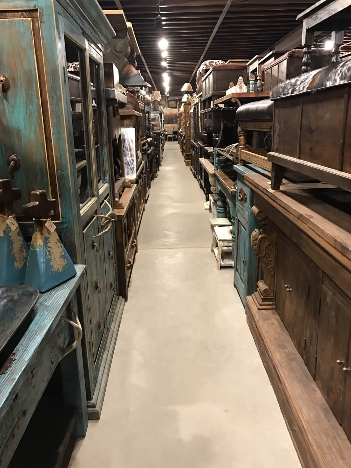 Although Coyote Candle Co. Has Gotten Too Busy For Interior Design  Off Site, They Do Help With Home Furnishing And Decor On Site.
